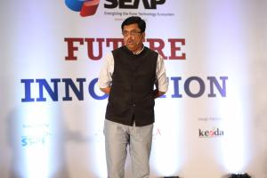 14 Mr. Ashutosh Parasnis, SEAP EC,  discussing Survey Findings - Innovation Readiness of Pune Technology Sector (1)